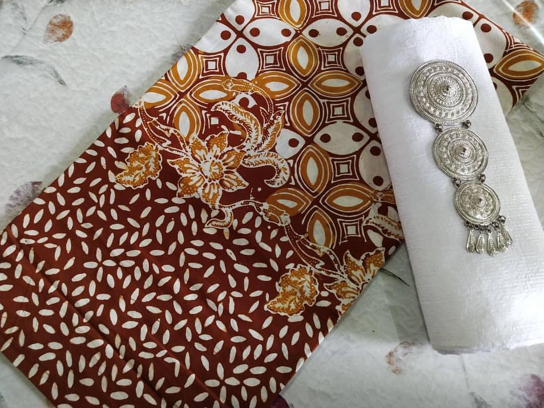 kain batik cap katun warna coklat