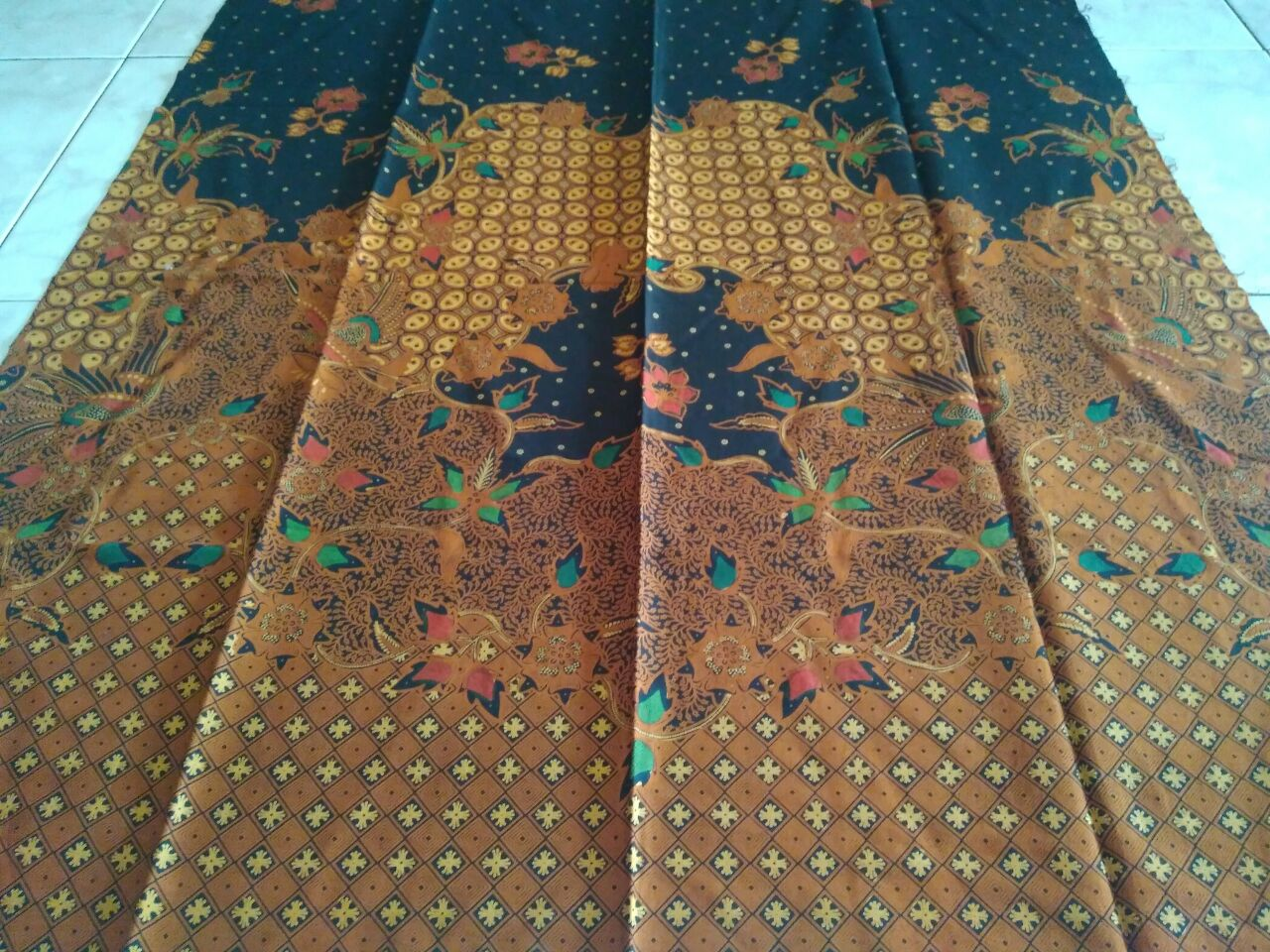 batik cap malam motif batik tulis colet